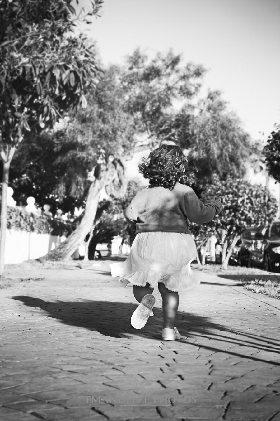 Foto en blanco y negro para album de niños málaga