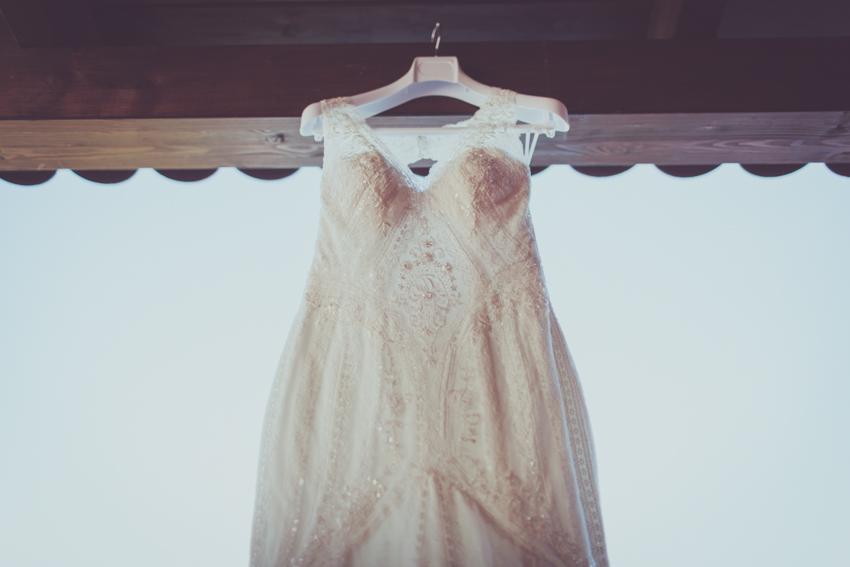 detalle del traje de novia estilo romántico