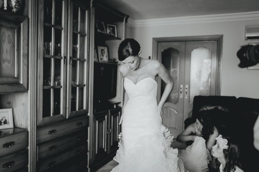 momento del traje novia con su vestido