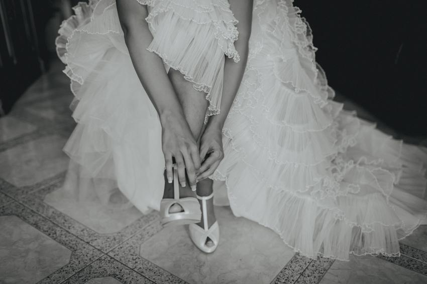 detalle de lo zapato de boda