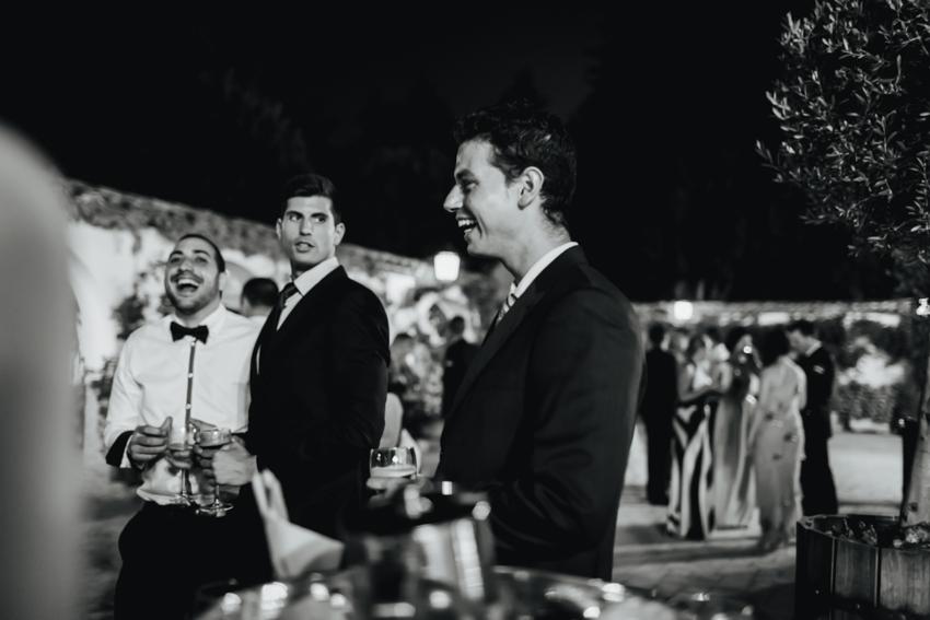 amigos de los novios durante el banquete en anteuquera