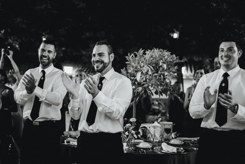 familiares y amigos en la boda