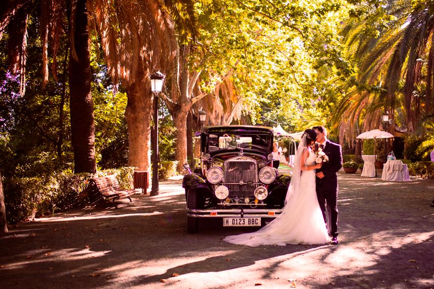boda con un coche de época