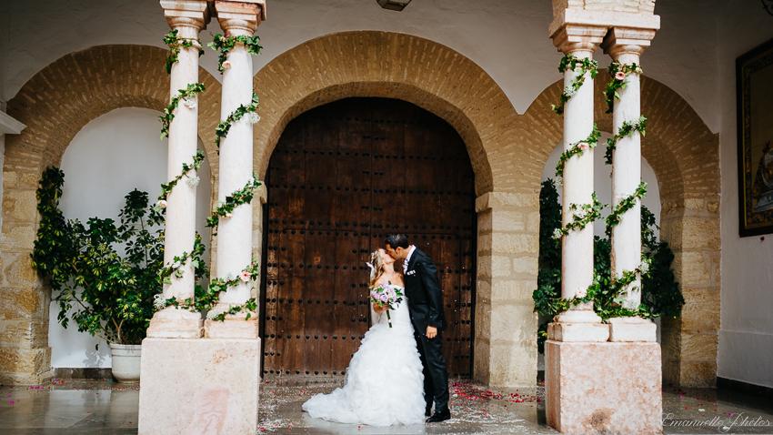 fotografo boda antequera fotografia adelante de la igliesa